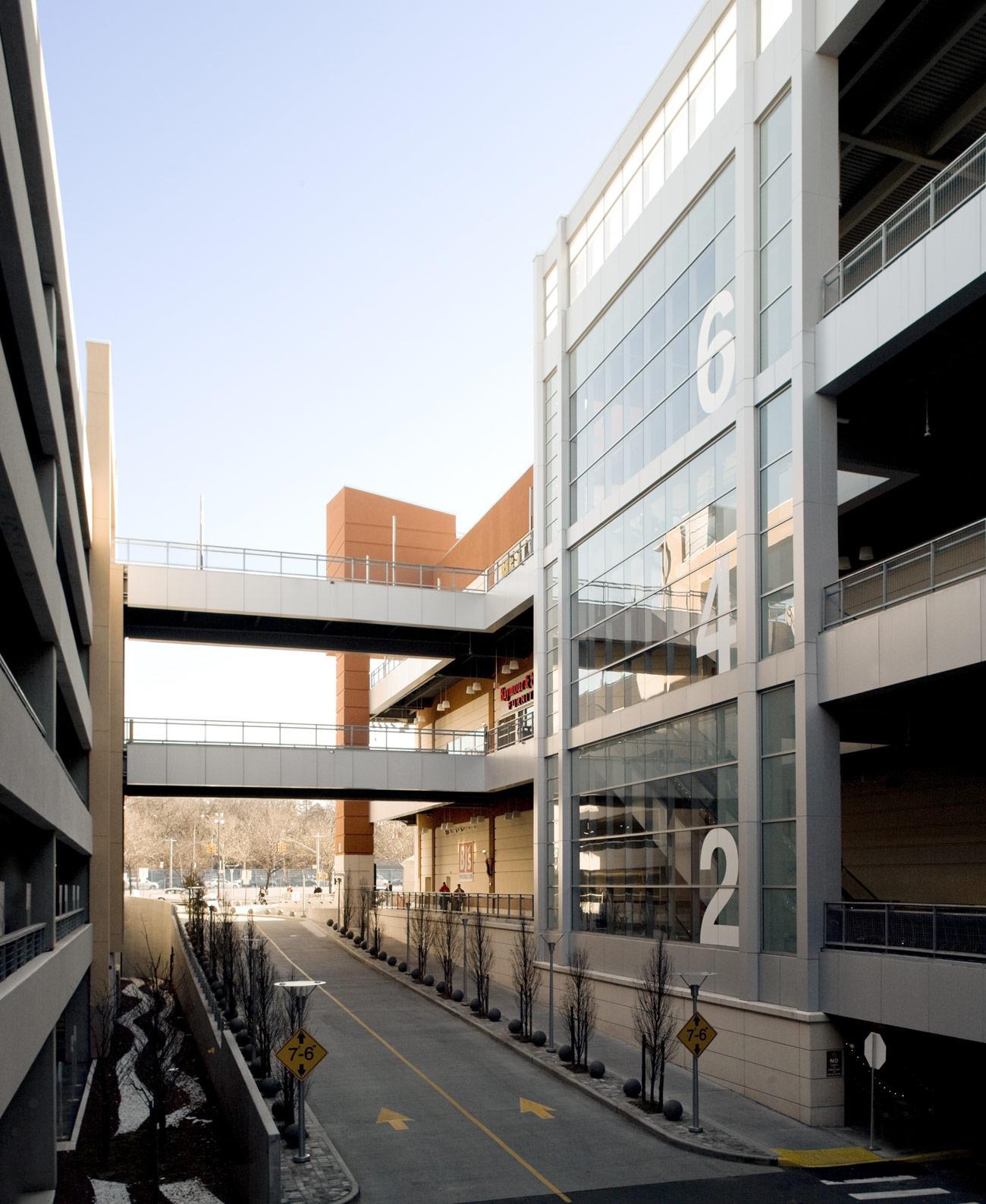 Gateway Center At Bronx Terminal Market Steel Institute